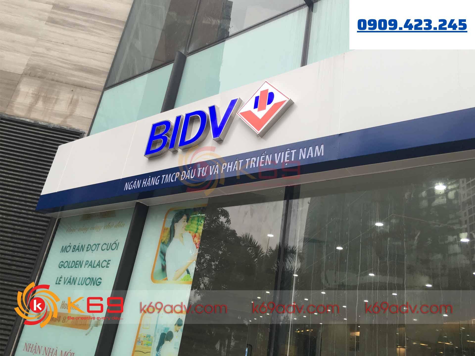 thi công bảng hiệu tại quận Tân Phú bằng chất liệu Alu