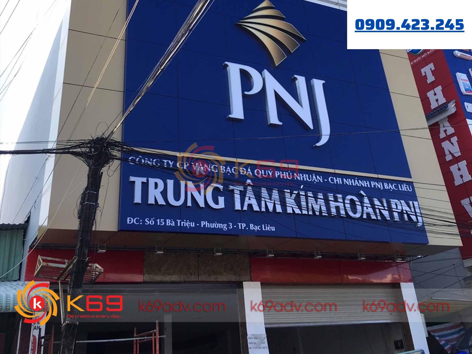 Làm bảng hiệu quảng cáo trung tâm trang sức đá quý PNJ