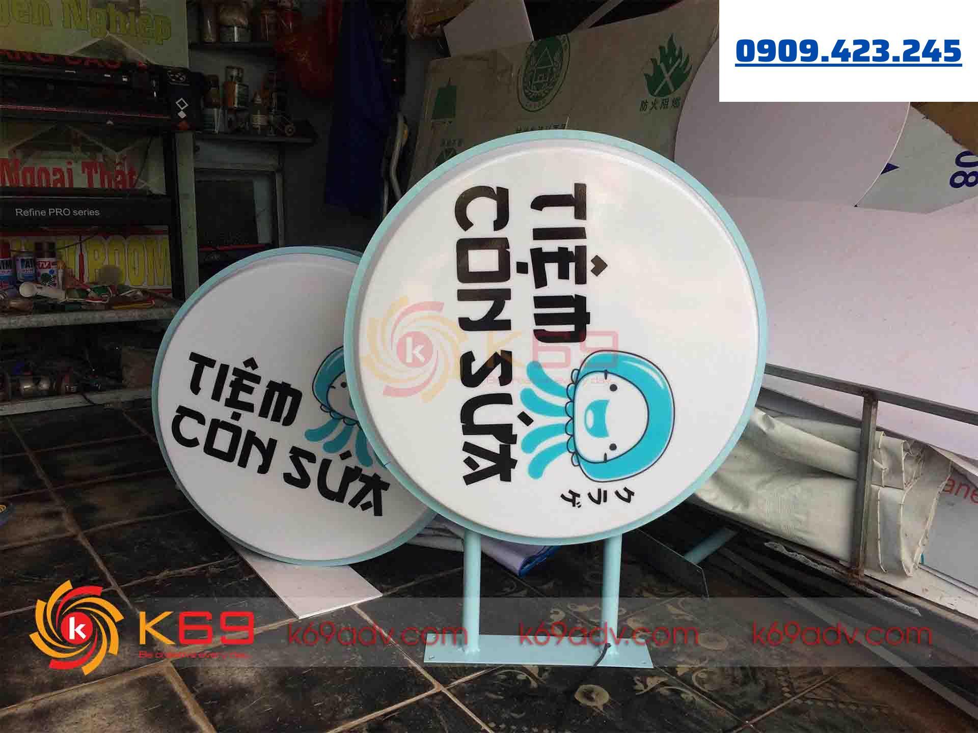 Mẫu làm bảng hiệu tại huyện Nhà Bè - hộp đèn quảng cáo chất liệu Mica